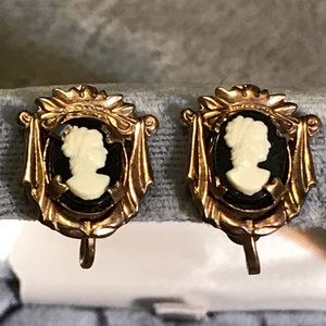 Vintage Gold Tone Black Cameo Screw Earrings 5/8""